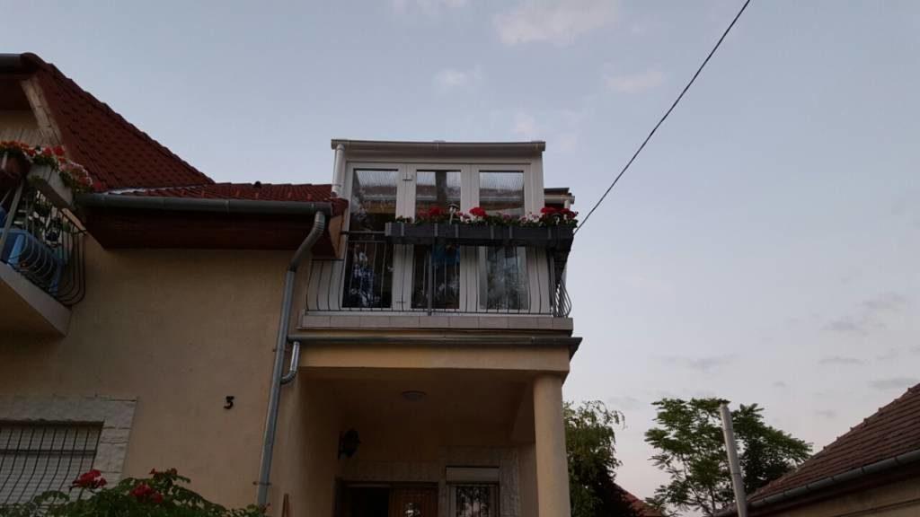 Emelet - kiugró terasz beépítés
