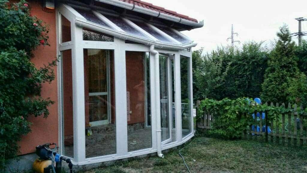 köríves sárvári üvegfal