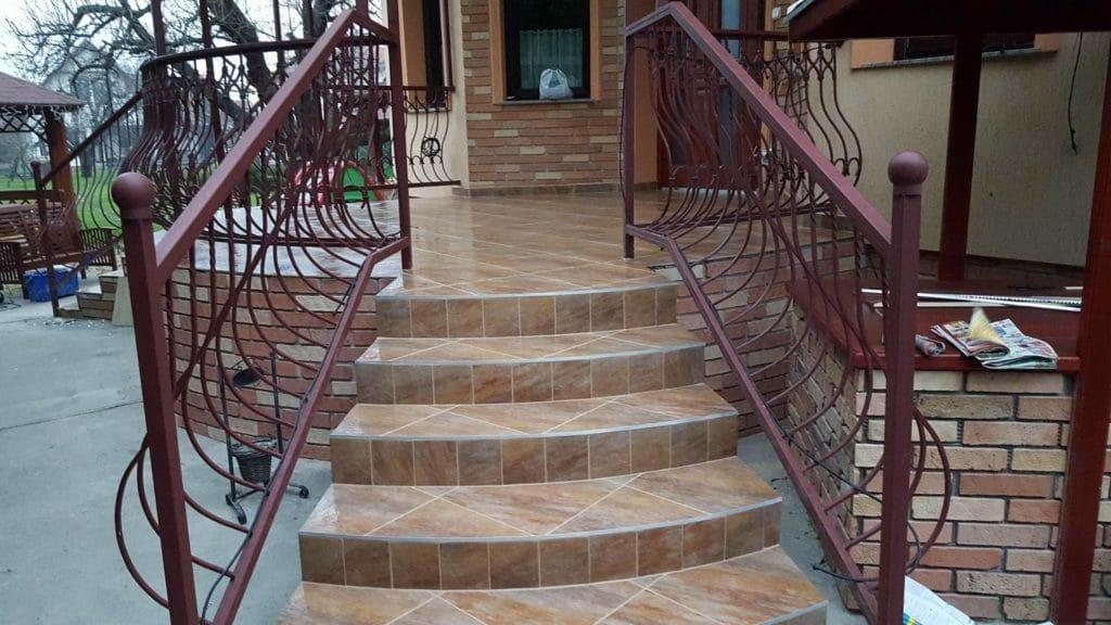 Íves lépcső építése