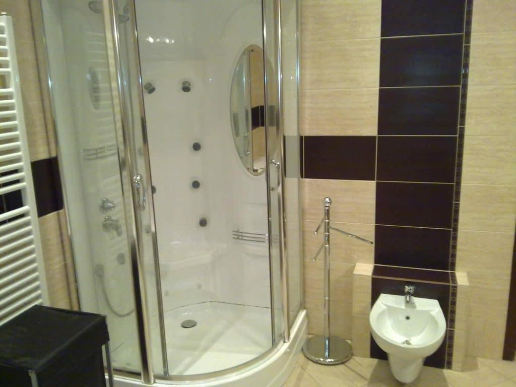 Zuhanyzófülke