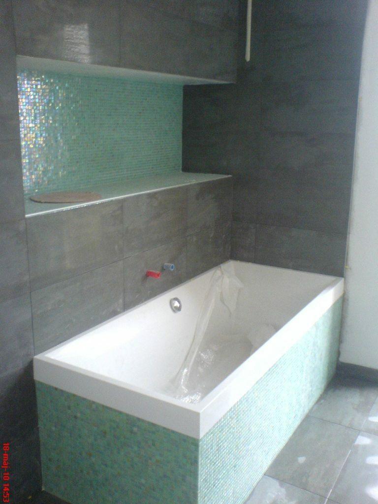 üvegtégla ablak - fürdő csempézés