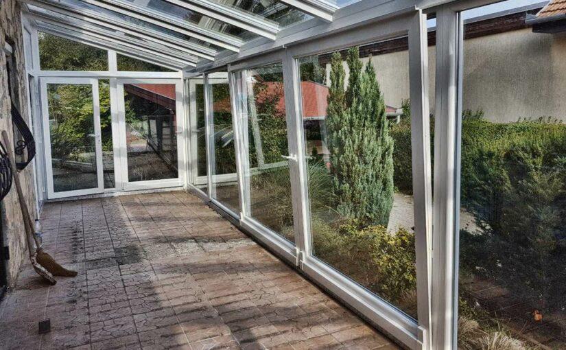 A terasz tolóajtó kényelmes és rendkívül elegáns